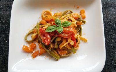 Tomatennudeln mit Paprika