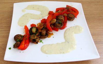 Gebratenes Gemüse mit Kräuterquark