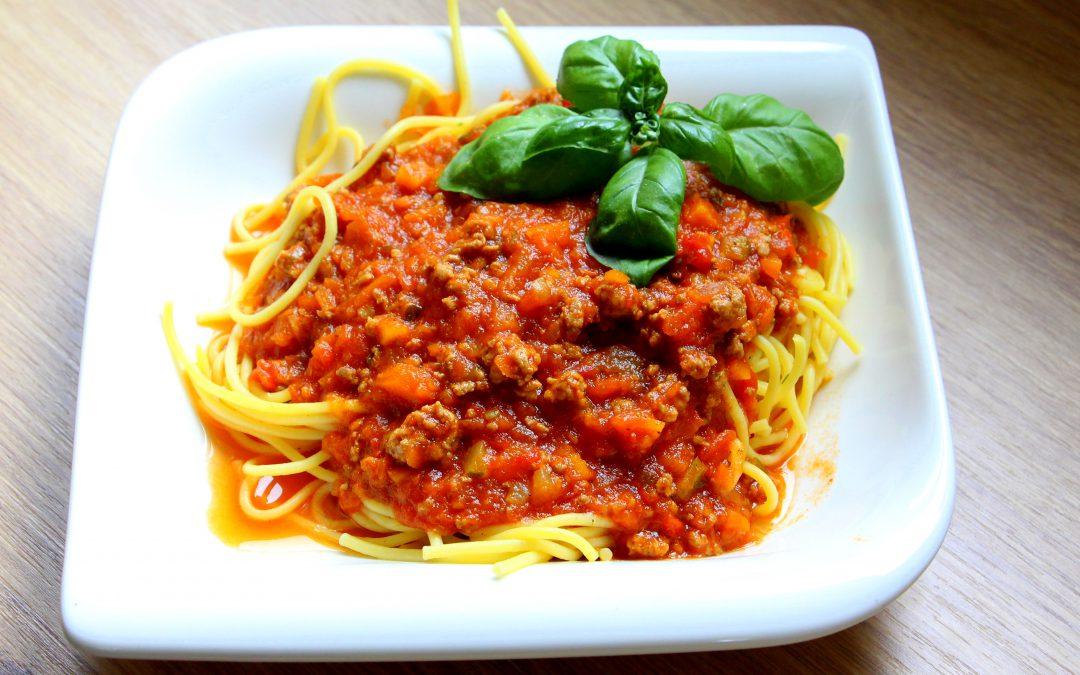 Spaghetti mit Hackfleischsoße