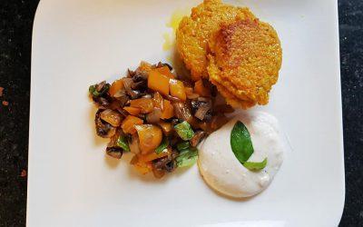 Couscous Karotten Küchle mit Pilz-Paprika Gemüse